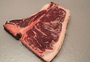 T-Bone-Steak-Porterhouse-Steak-Rindersteak-Dry-Aged-600g-Cut