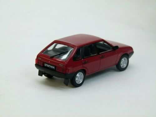 VAZ 2109 AutoLegends USSR 1987 Diecast Metal model Scale 1:43 Deagostini \