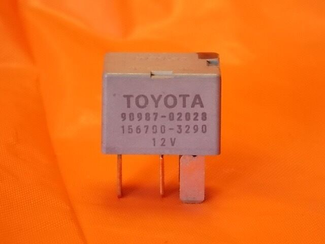 TOYOTA LEXUS ORIGINAL A//C CLUTCH RELAY OEM 90987-02028 BY DENSO 156700-3290
