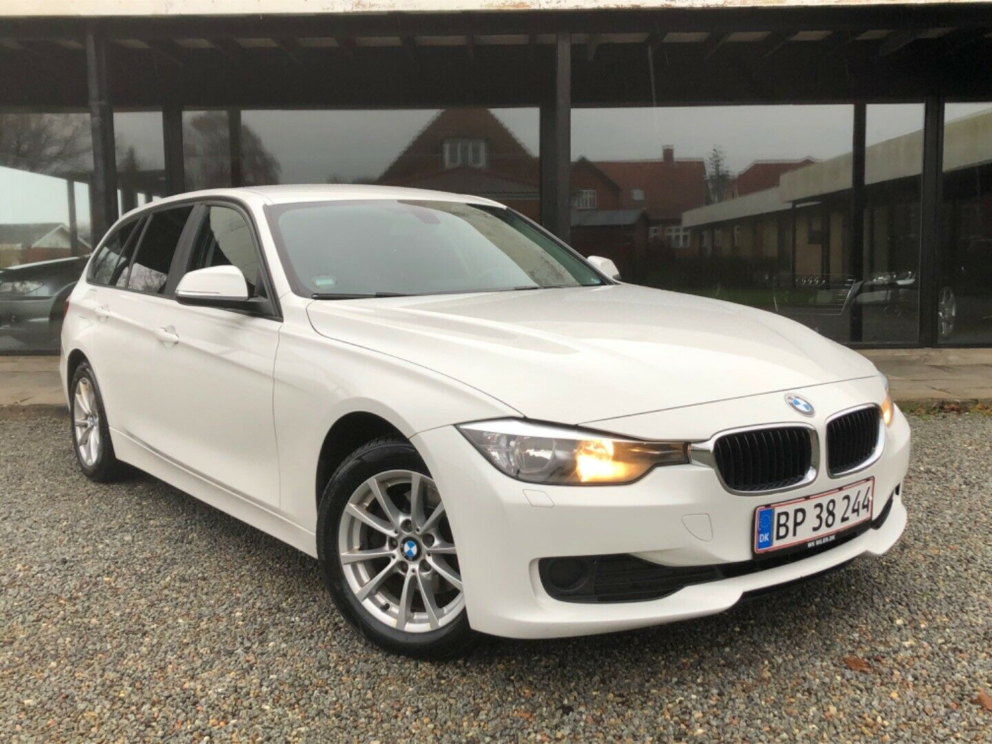 BMW 318d 2,0 Touring aut. 5d