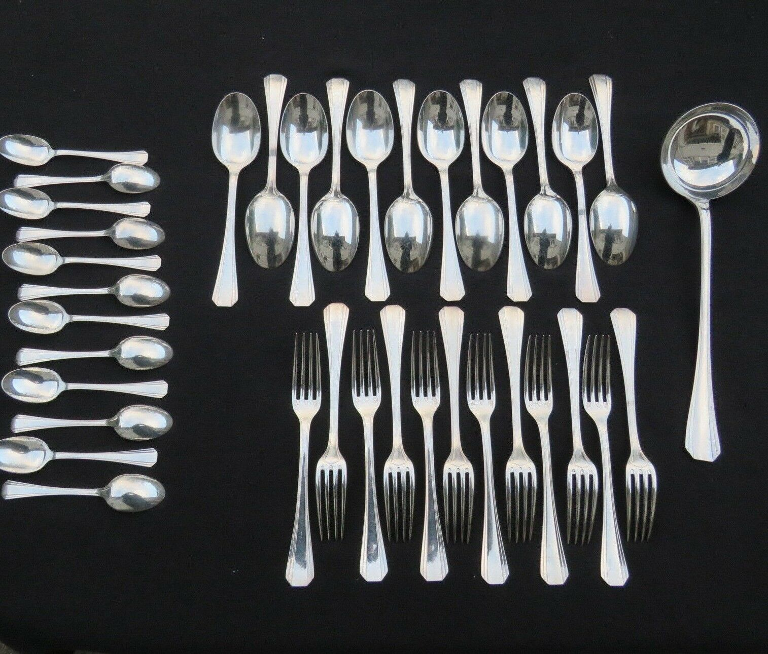 CHRISTOFLE   ménagère 37 couGrüns en métal Silberé modèle boréal 2