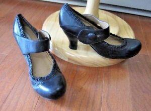 1d6581f6616 Steve Madden Women s Black Leather Mary Jane Heels~Button Side ...