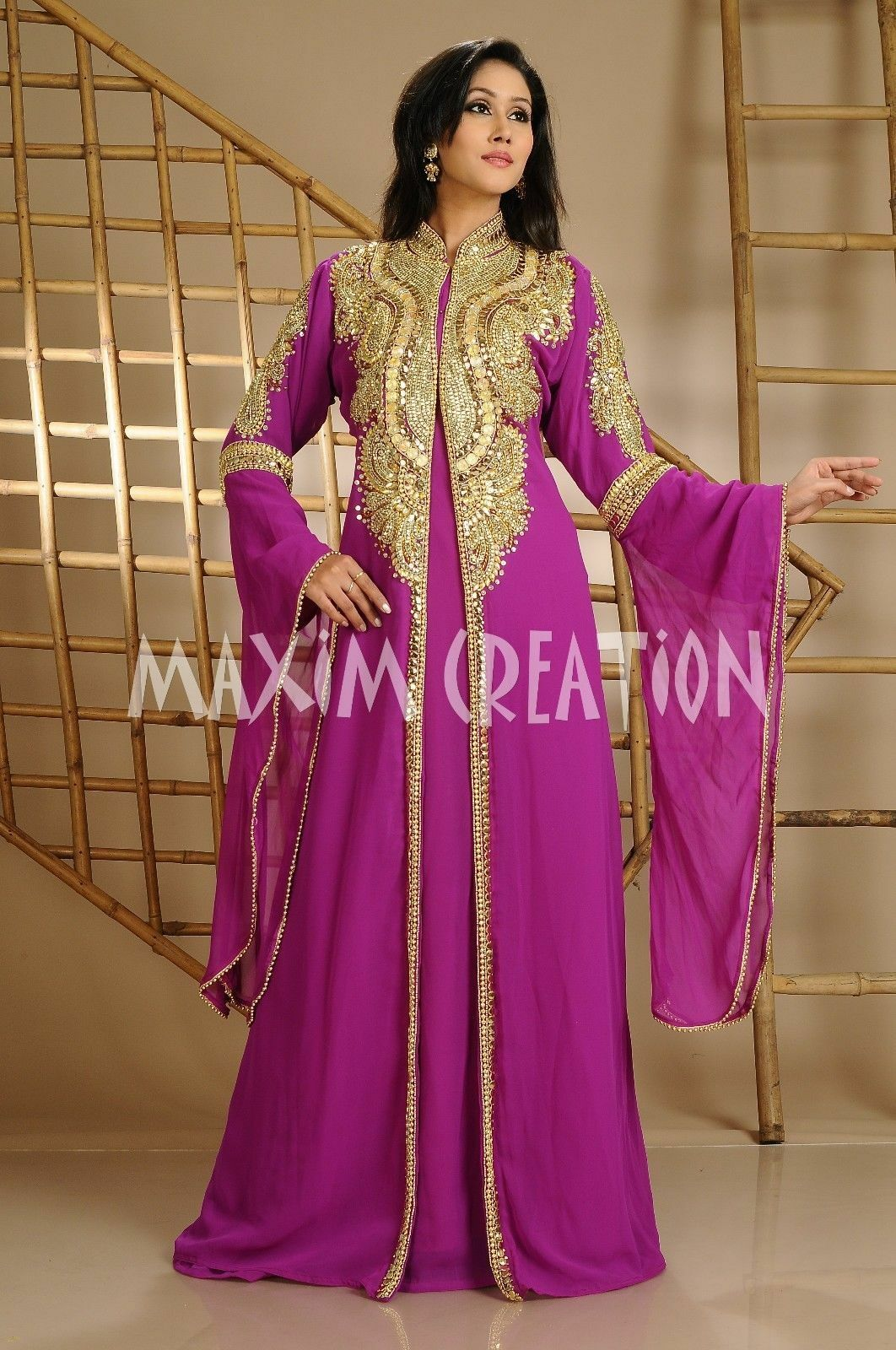 MAGENTA ROYAL MgoldCCAN KAFTAN ARABIC TRADITIONAL EXCLUSIVE HAND EMBROIDERY WORK.