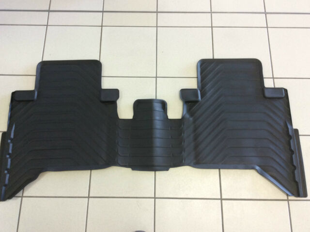 TOYOTA HILUX FLOOR MATS REAR RUBBER DUAL CAB NEW SHAPE JULY 2015+ GENUINE NEW