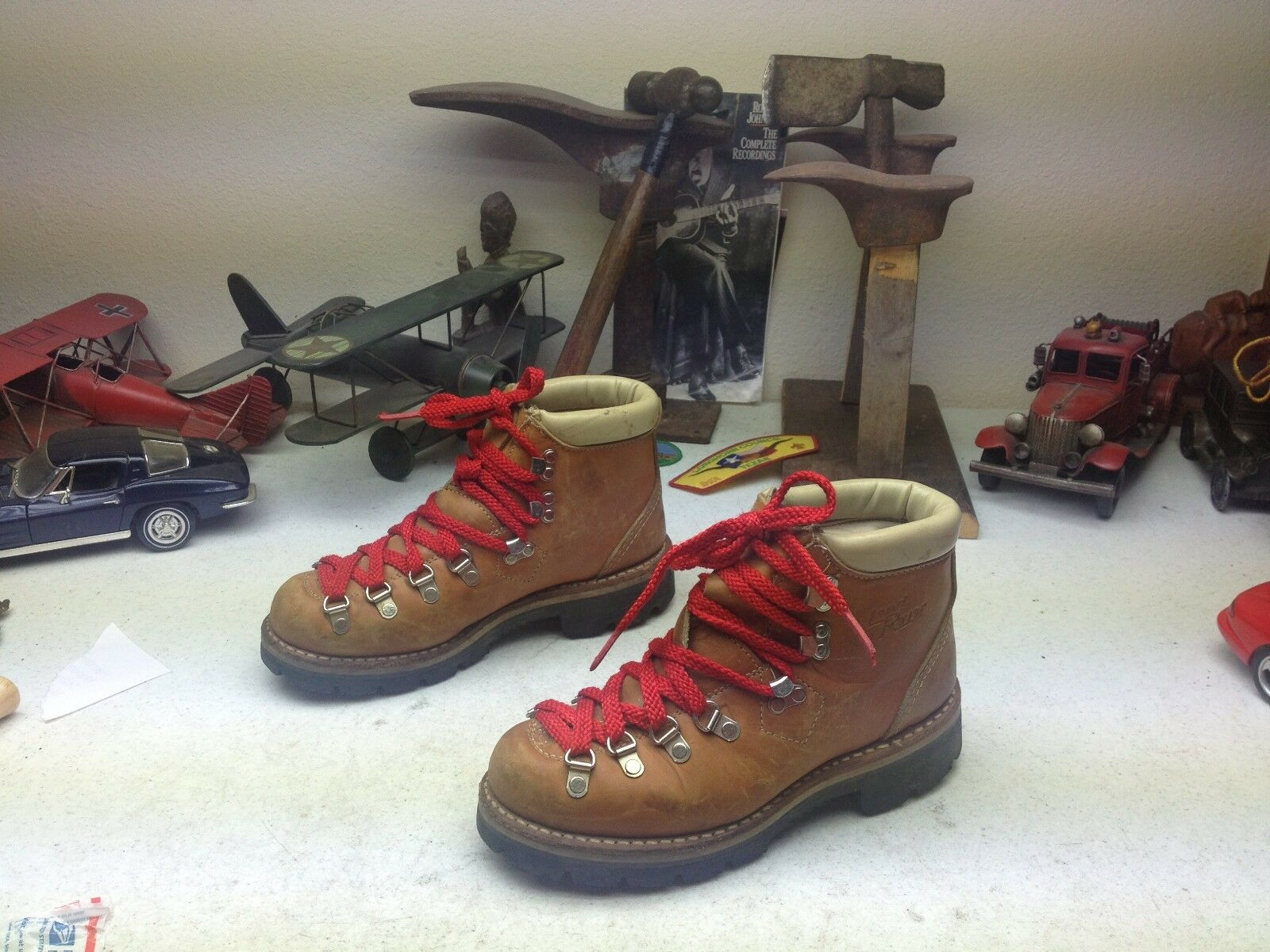 VINTAGE DISTRESSED THOM MCHAN USA LAND ROVERS LACE UP MOUNTAINEER TRAIL BOOTS 4B