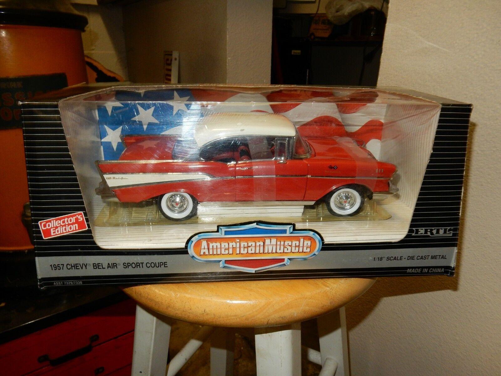 1957 BELAR röd HARDTOP AMERIKANSKA MUSSLEN ERTL bil 1.18 SKALL NY I låda