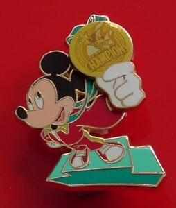 Walt-Disney-World-2008-Enamel-Pin-Badge-Summer-of-Champions-Mickey-Mouse-Medal