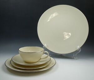 Lenox-China-OLYMPIA-PLATINUM-5-Piece-Place-Setting-s-EXCELLENT