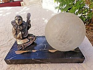 Ancienne-lampe-de-chevet-pierrot-art-deco-veilleuse-boule-blanche-en-verre