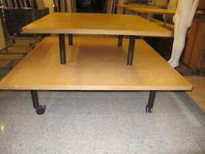 Pyramidentisch-Stufentisch-Vorlagetisch-Verkaufstisch-Holzstufentisch