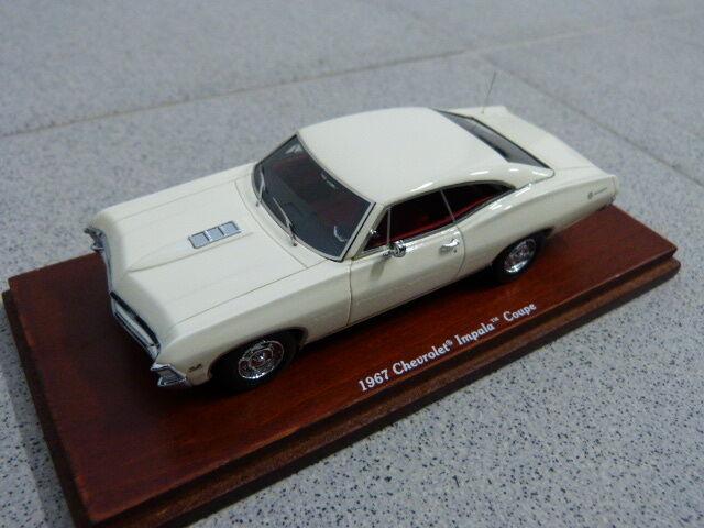 Chevrolet impala 1967 2 porta coup è ermellino bianco tsm modello auto 1 43