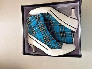 MimiShooz - Character Shoes - New in Box - Great for Cosplayers - Women Size 7.5