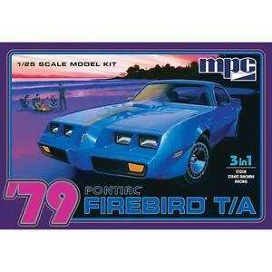 MPC-1979-Pontiac-Firebird-Trans-Am-1-25-scale-model-car-kit-new-820