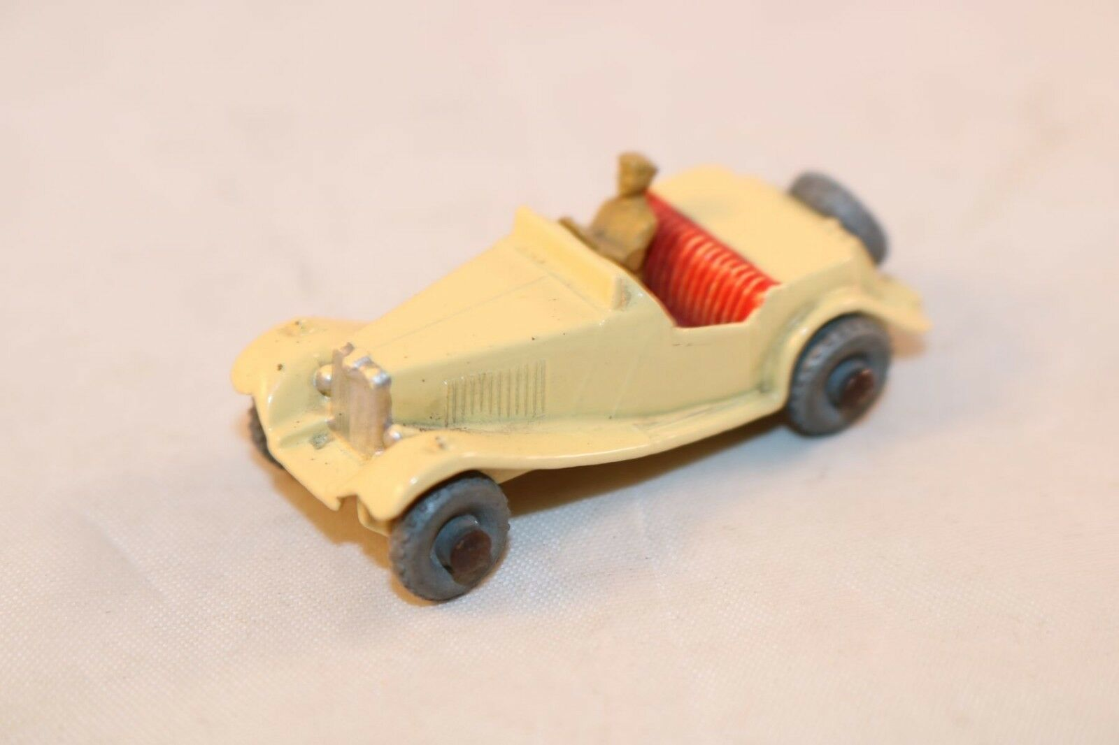 Matchbox Lesney 19 or 19a MG Midget GPW Cream very very near mint condition