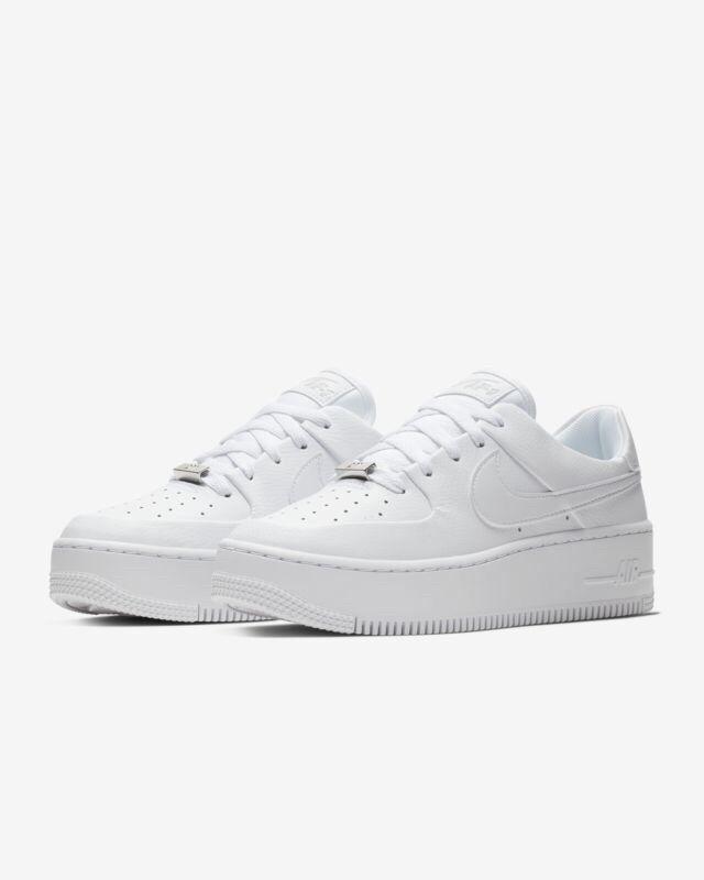 Nike Women's AF1 Sage Low Air Air Air Force 1 Triple White Size 12 AR5339-100 6f95d9