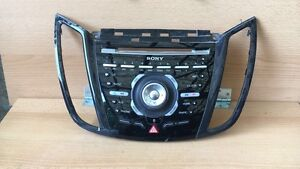 Sony-Bedienelement-fuer-Autoradio-Navi-CD-Freisprechanlage-Radioblende-Ford-Kuga