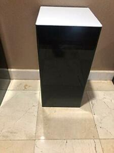 Acrylic-Display-Art-Sculpture-Stand-Pedestal-Black-amp-White-top-12-034-x-12-034-x-24-034-h