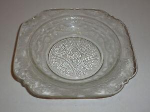 Vintage-Federal-Madrid-Clear-Depression-Glass-Butter-Dish-Base