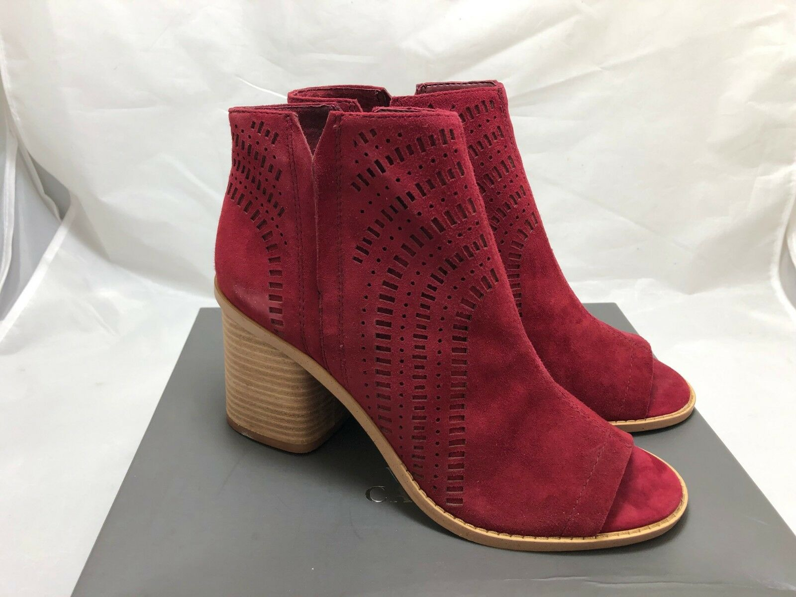 Vince Camuto Tereena Perforated Perforated Perforated Suede Peep-Toe Bootie SIZE 8.5 b6e807