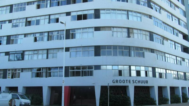 2 BEDROOM FOR SALE  IN SOUGHT AFTER SHARE BLOCK  IN DURBAN SOUTH BEACH
