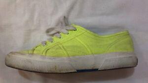 Superga scarpe da ginnastica n 35 colore giallo con stringhe USATE