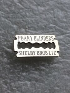 PEAKY-BLINDERS-ENAMEL-BADGE-RAZOR-BLADE-DESIGN-WEAR-ON-HAT