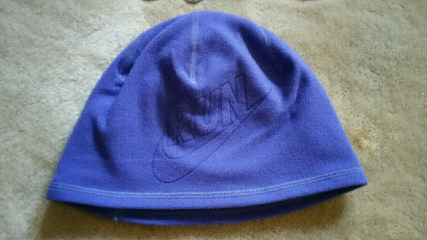 bd57eb67c09 Nike Youth Unisex Perf Reversible Beanie Running Hat for Big Kids 618540