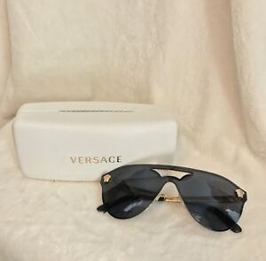 0466a48f6bf Image is loading NIB-VERSACE-GOLD-MEDUSA-STUD-Black-Sunglasses-MODEL-