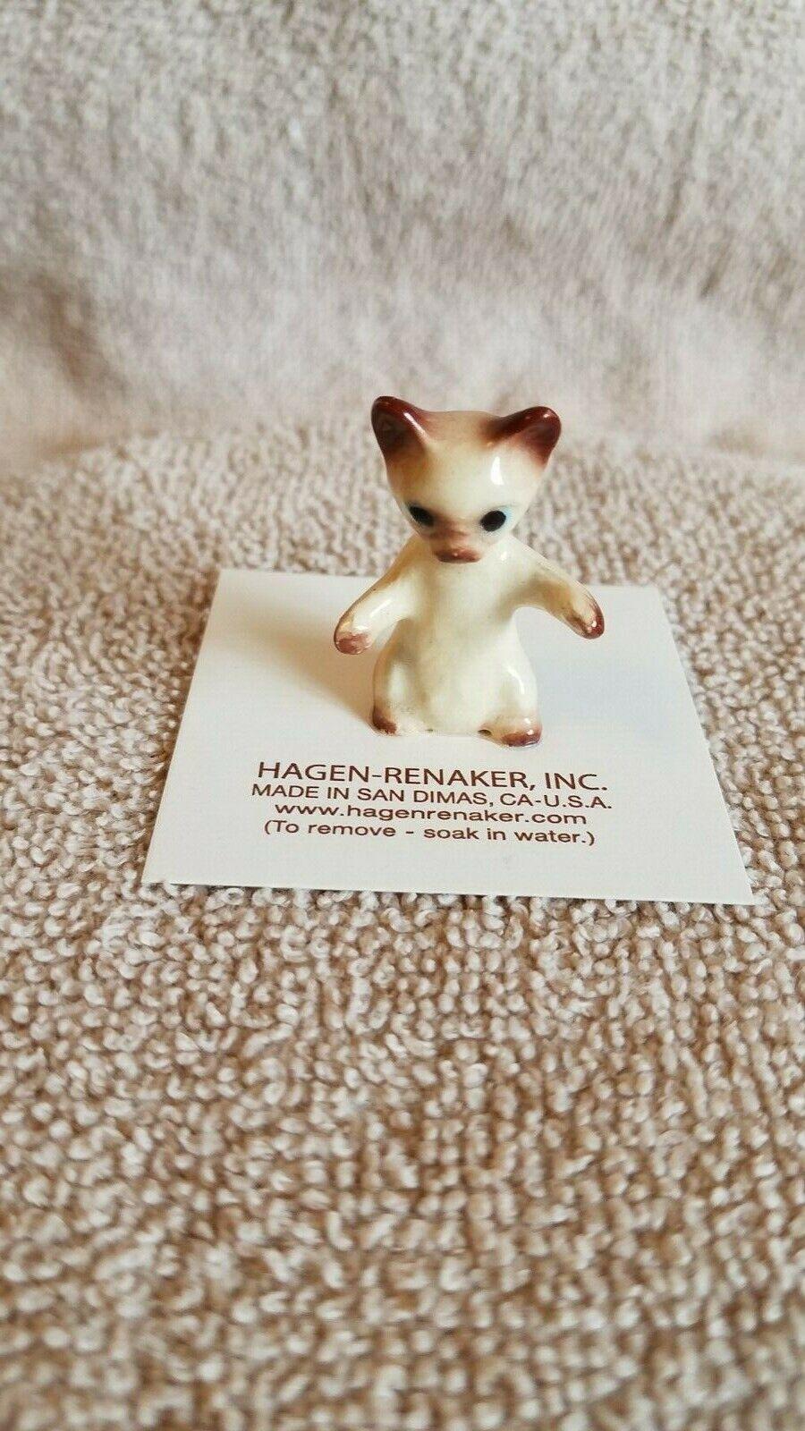 Hagen Renaker Kitten Paw Up  #4033