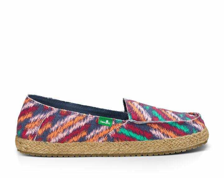 Sanuk Funky Fiona Sidewalk Surfer flats loafers sandals sz 7 zig zag