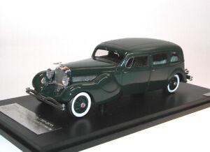 Duesenberg-Modelo-J-Bohman-y-Coche-Modelo-de-Resina-Schwartz-Sedan-43106701