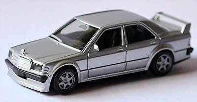 Model Building Mercedes Benz 190e 2.5-16 Evolution I W201 1990 Silver Metallic 1:87 Herpa