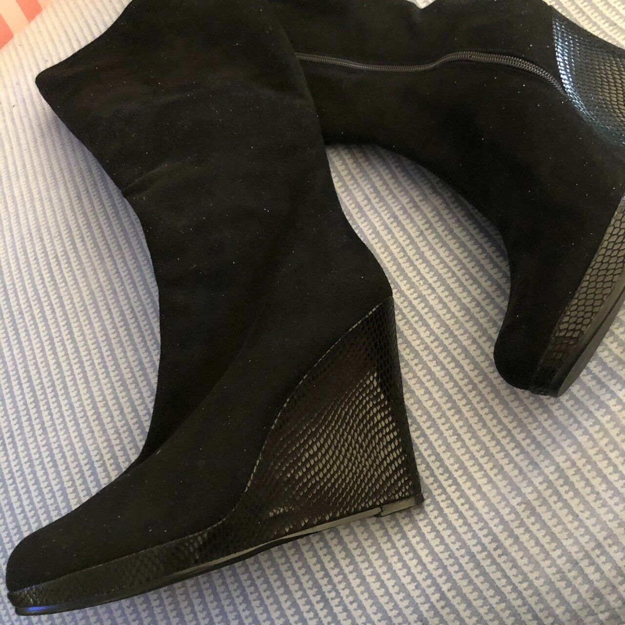 Black  Plaform Wedge Boots Size 6