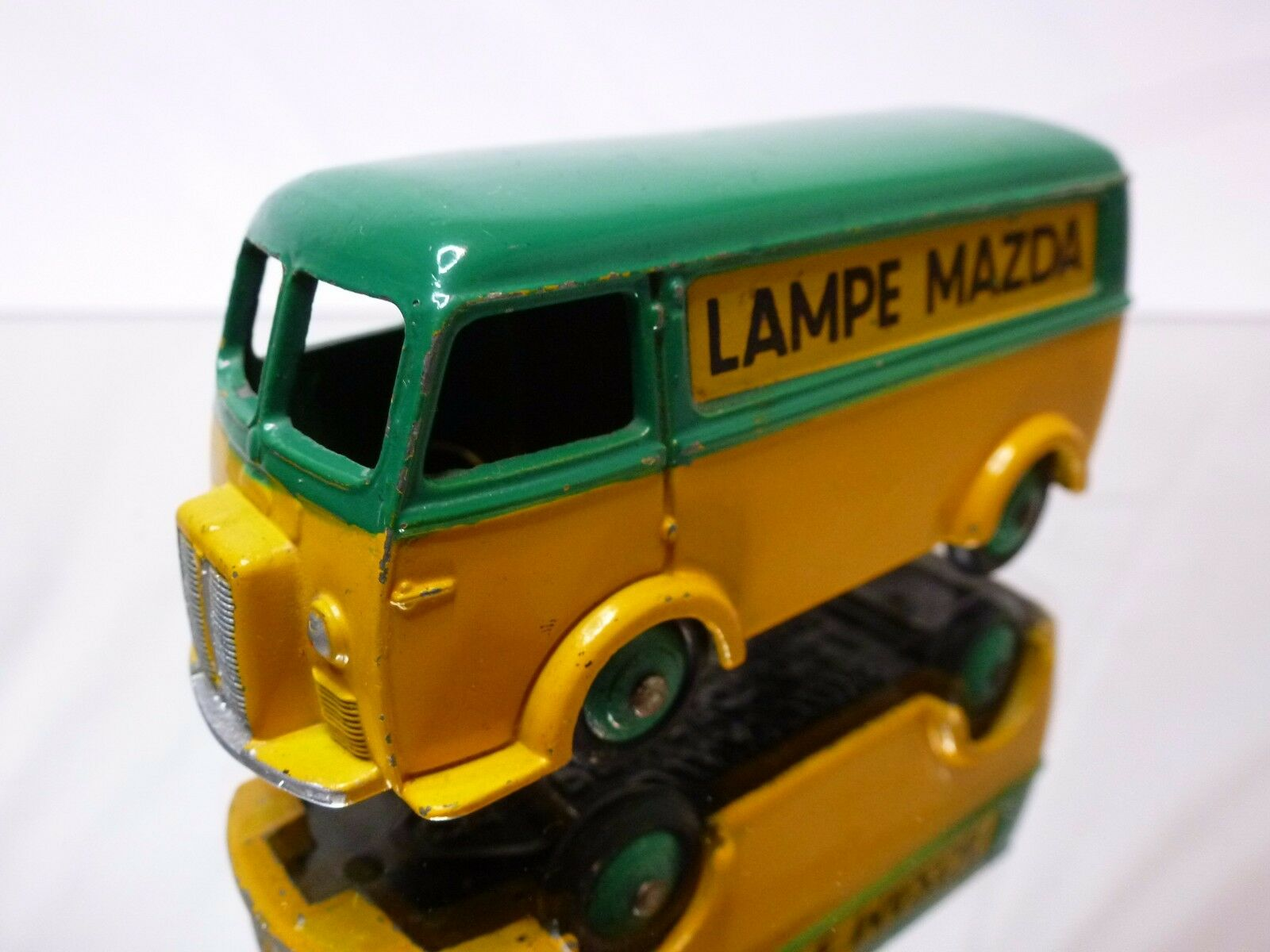 DINKY TOYS 25B PEUGEOT D.3.A D3A - LAMPE MAZDA 1 43 - GOOD CONDITION