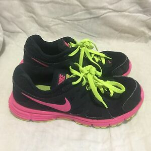 Ladies Nike Athletic Tennis Shoes Black Pink Green Size 6.5
