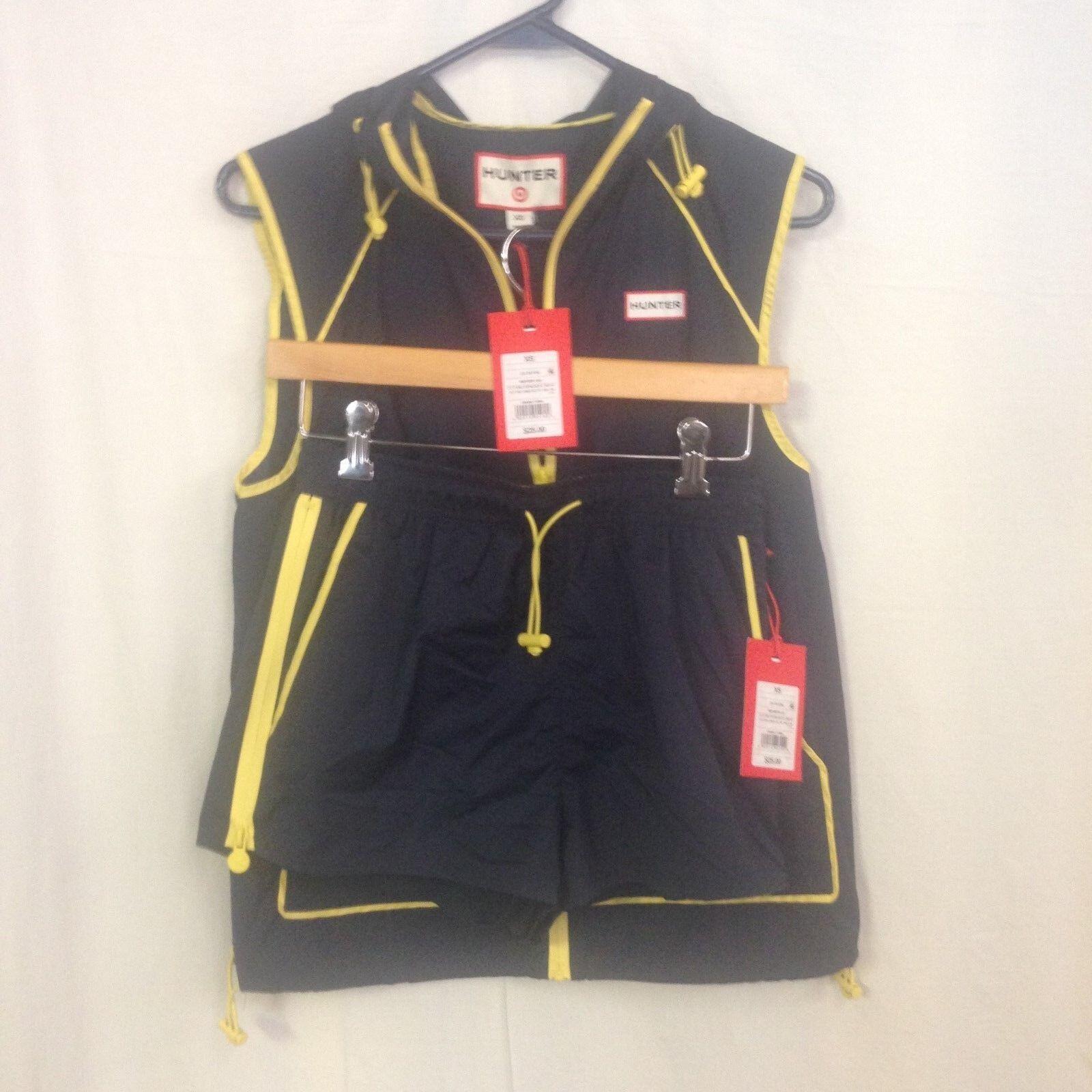 Hunter for Target Women's Hooded Windbreaker Vest and Shorts XL