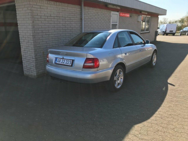Audi A4 1,6  4d