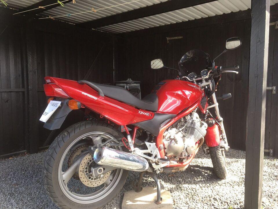 Yamaha, 600 ccm, 2004