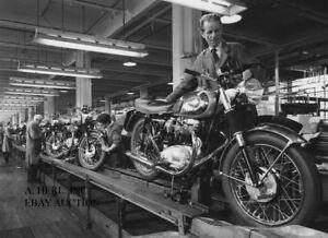 BSA 1965 factory production assembly line Birmingham motorcycle racing photo - Utr., Nederland - Staat: Nieuw: Een gloednieuw, ongebruikt, ongeopend, onbeschadigd object. Zie de aanbieding van de verkoper voor volledige details. ... - Utr., Nederland