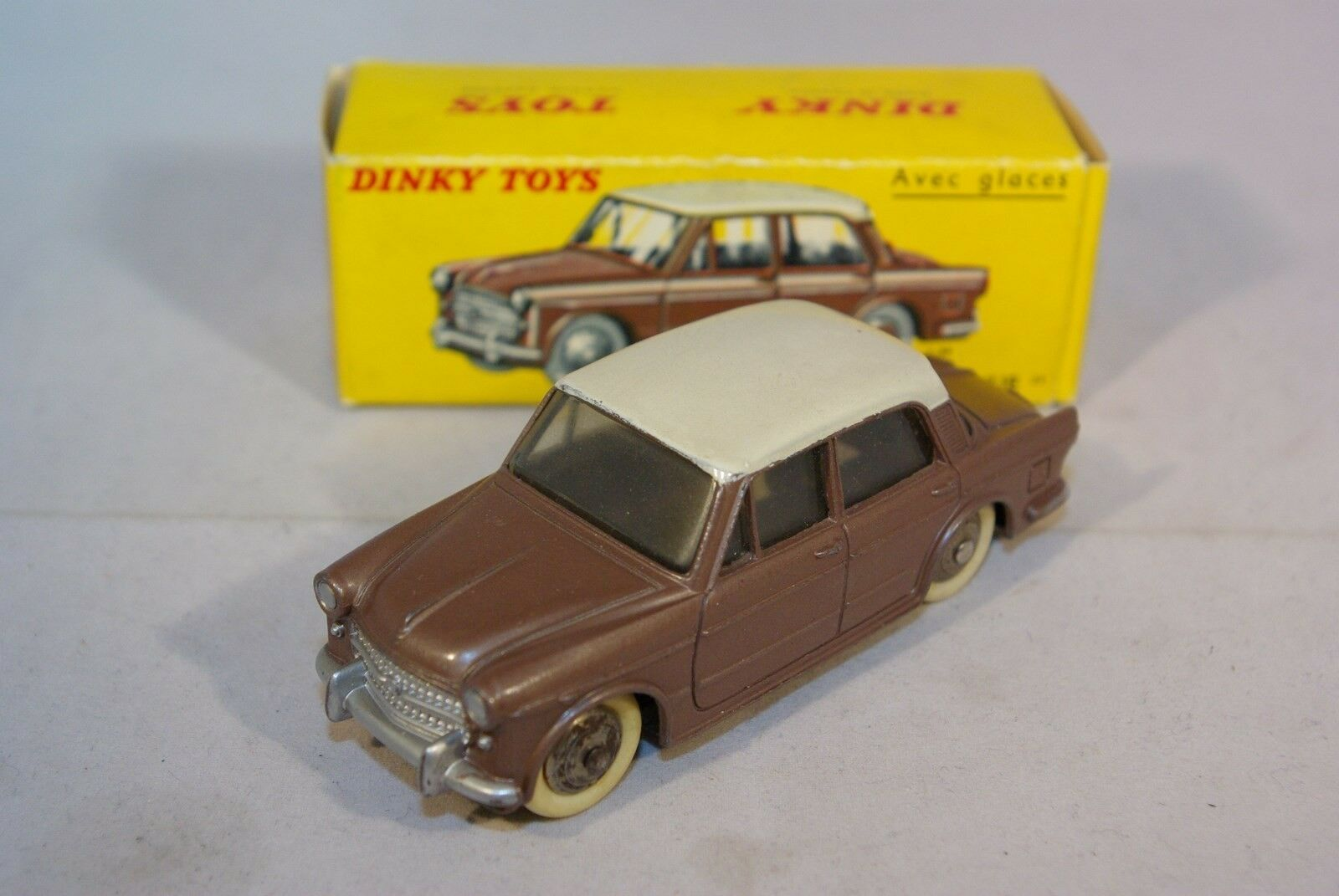 DINKY TOYS 531 FIAT 1200 GRANDE VUE VN MINT BOXED RARE SELTEN RARO