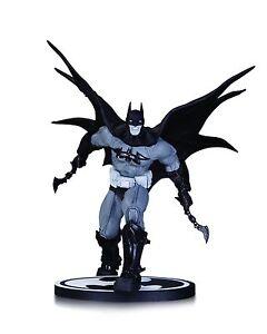 BATMAN BLACK & WHITE STATUE DANDA / DC Comics / JUSTICE LEAGUE