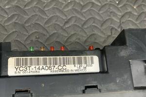 2000-FORD-F250-F350-SUPER-DUTY-Has-6-8-INTERIOR-FUSE-BOX-RELAY-YC3T-14A067-CC