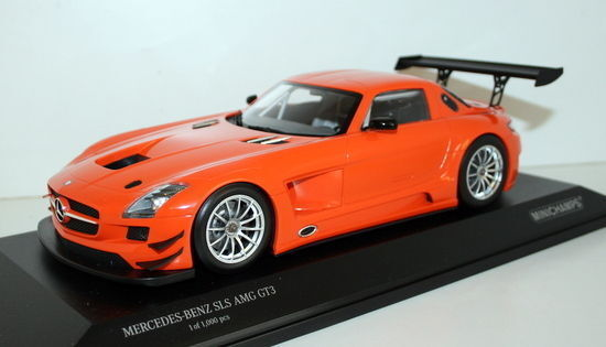 Minichamps 1   18 - 151 mercedes - benz sls amg gt3 - straße 113105 2011 - Orange