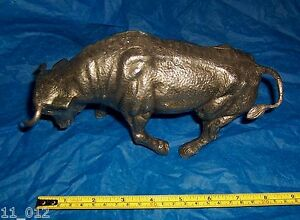Vintage metal charging? Bull ornament ideal desk paperweight etc used