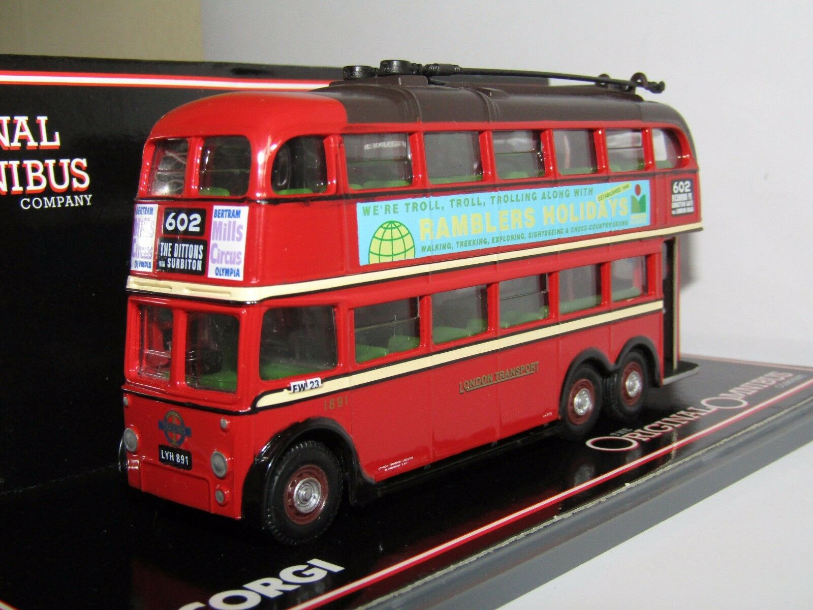 OOC Q1 TROLLEYBUS LONDON TRANSPORT ROUTE 602 THE DITTONS 1 76 43708 2 RAMBLERS