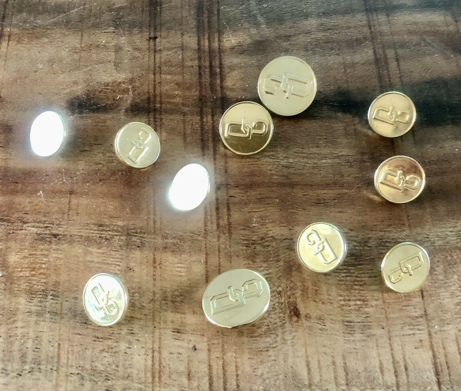 D&G Original Gold Button Set