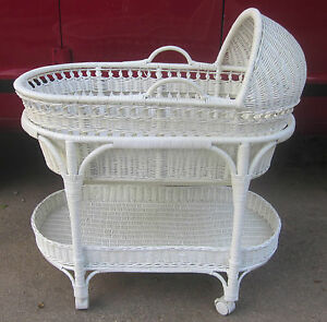 The Pottery Barn White Wicker Bassinet W Removable Moses