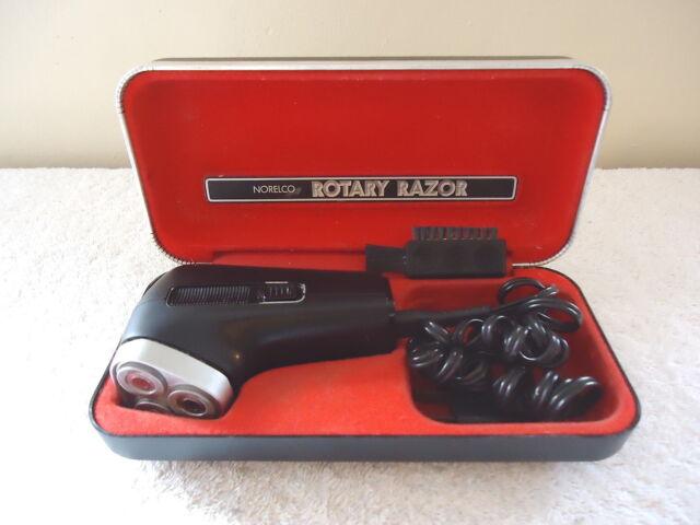 Vintage Norelco Rotary Razor In Case