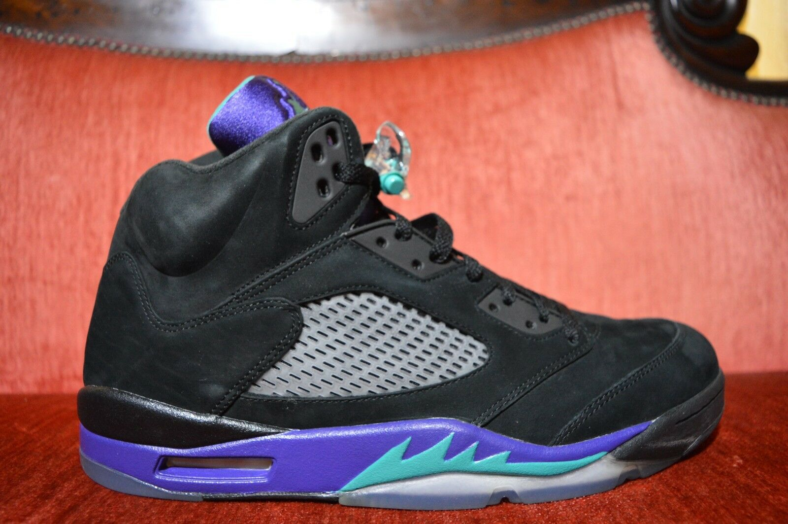 NEW Nike Air Jordan 5 V BLACK GRAPE 2013 size 13 136027 007 Purple Icy