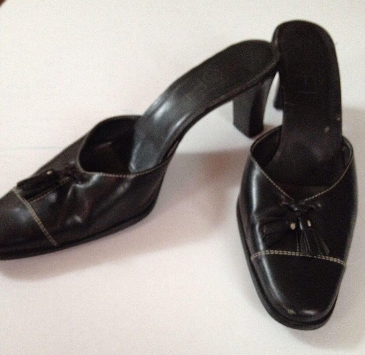 Women's Black Leather Rounded Toe Slides sz 8 medium Ann Taylor